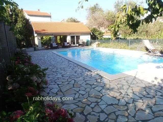 swimming-pool-villas-croatia