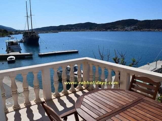 house with double rooms for rent seaside adriatic