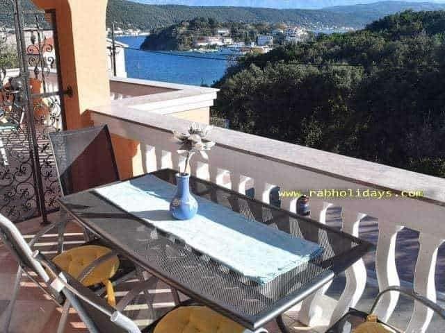 supetarska ferienwohnungen nahe sandige strand kroatien