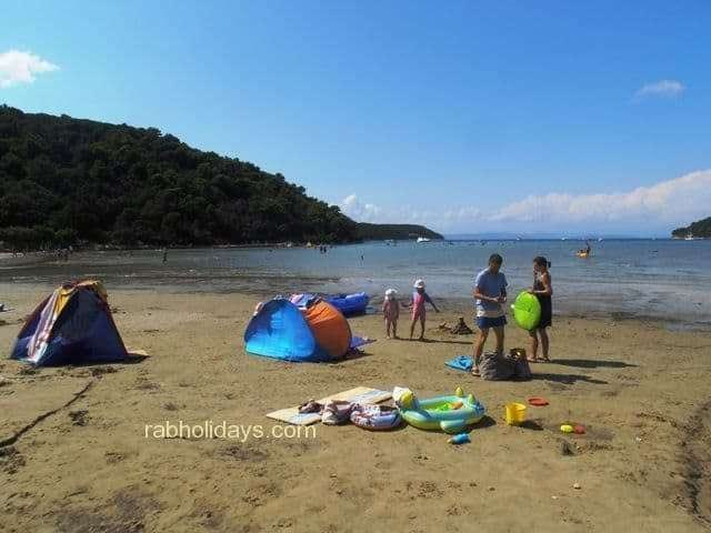 accommodation-directly-by-the-beach-croatia