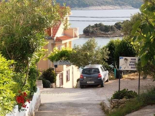 zwei-doppelzimmer-ferienwohnungen-kroatische-meer