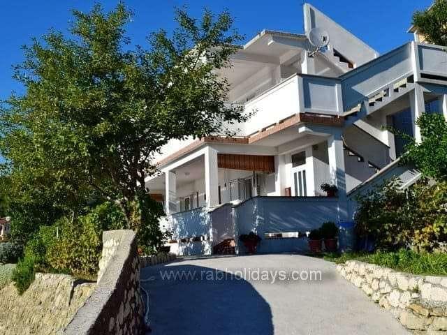 HOUSE (3)