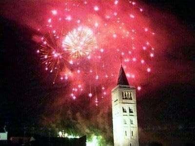 islands-croatia-fireworks-party