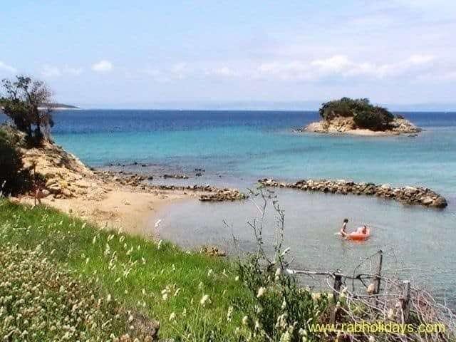 kroatien-am-meer-bucht