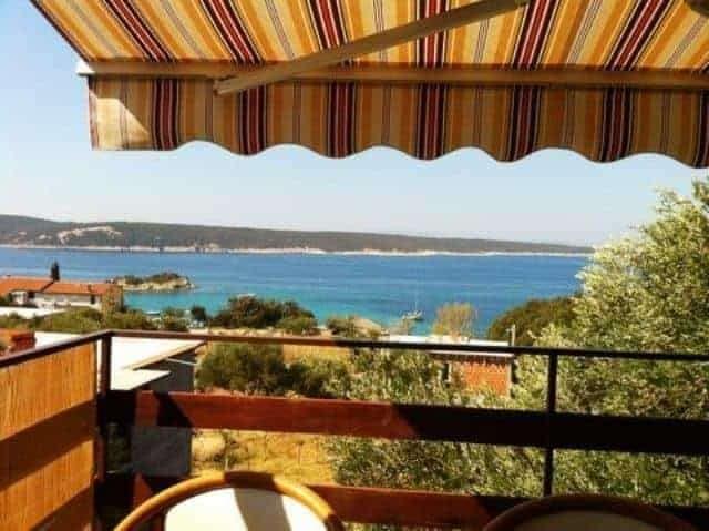 terrace-island-croatia